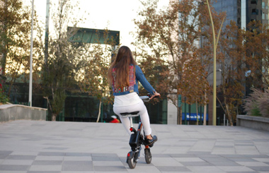 E6 Folding Smart E Bike in Chile.